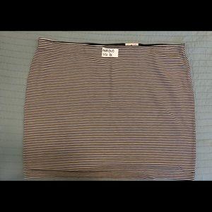 BNWT ANA mini skirt 2x